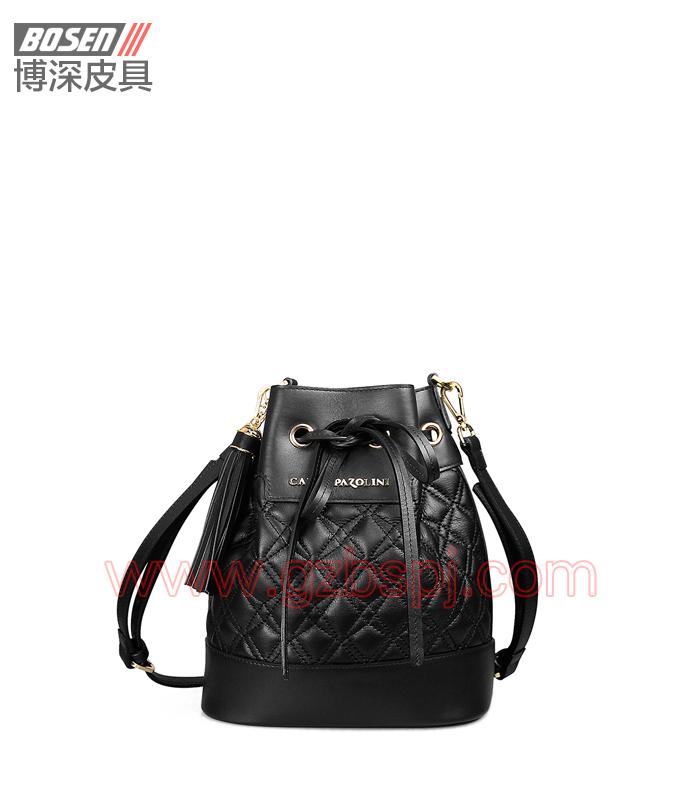 女斜挎包 女包OEM 真皮单肩包 头层牛皮 广州皮具厂 BSWS017001